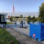 Benzine / dieselpomp aan het water
